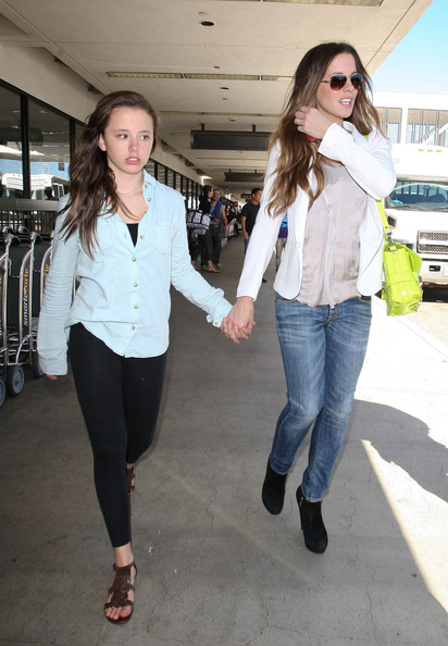 Kate Beckinsale And Lily Sheen Kate Beckinsale Arrives In Los