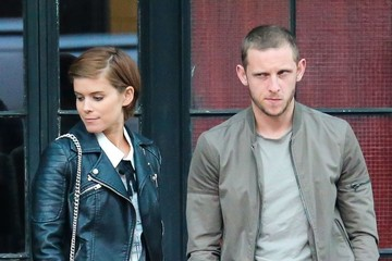 Kate Mara Kate Mara & Jamie Bell Wait For a Taxi in NYC