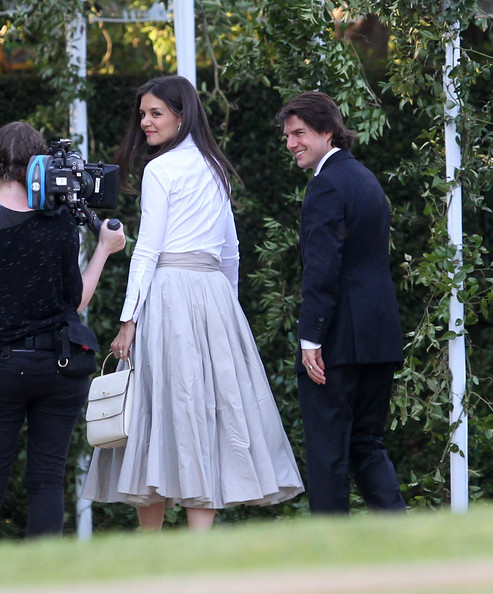 tom cruise and katie holmes wedding pictures. tom cruise and katie holmes wedding. Katie Holmes Tom Cruise and