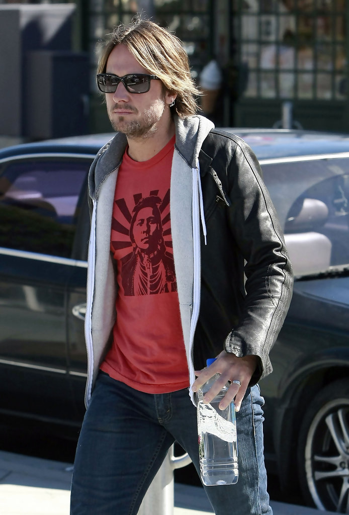 Keith urban leaving an aa meeting in santa monica pictures