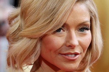 Kelly Ripa Hairstyles at the 86th Annual Academy Awards