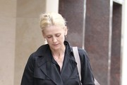 Kelly Rowan Does Some Shopping In Beverly Hills