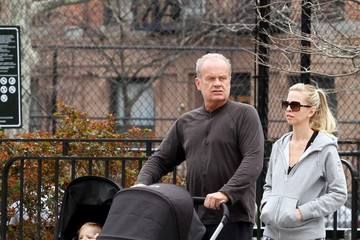 Kelsey Grammer Kelsey Grammer Takes a Walk With His Wife and Kids