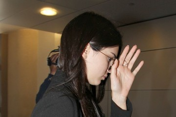 Kendall Jenner Kendall Jenner Catches a Flight at LAX Airport