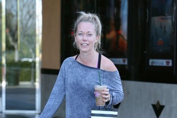 Kendra Wilkinson Kendra Wilkinson Goes Out Shopping in Calabasas