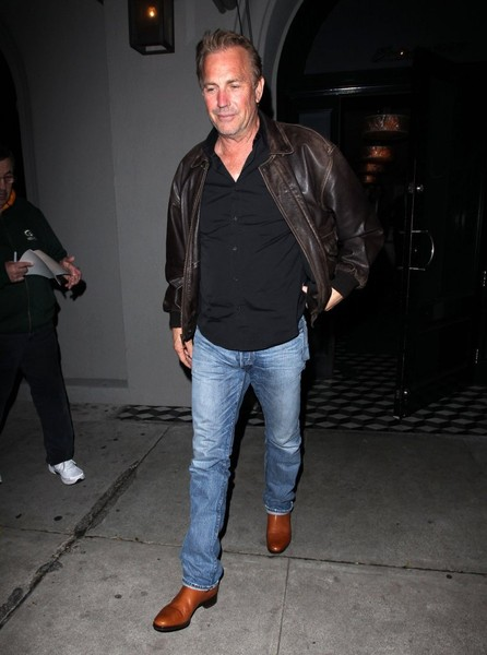 Kevin Costner Gets Dinner at Craig's