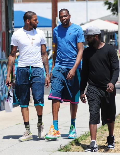 Kevin Durant Shopping On Melrose