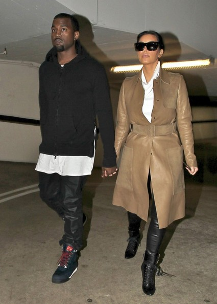 Kim Kardashian - Kim Kardashian & Kanye West Visit A Medical Building In Beverly Hills
