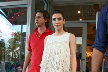 Kim Kardashian Kim Kardashian Grabs Lunch With Her Pal Jonathan In Miami