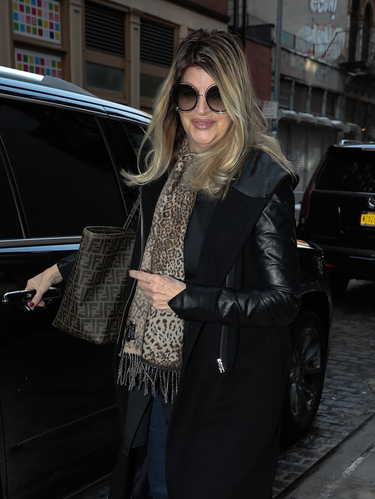 Kirstie Alley - Kirstie Alley Photos - Kirstie Alley Out ...
