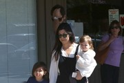 Kourtney Kardashian and Family Get Lunch