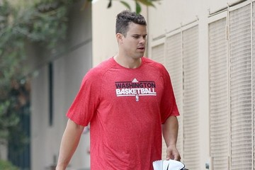 Kris Humphries Kris Humphries Heads to Basketball Practice