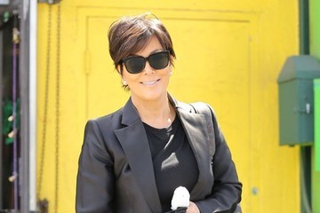 Kris Jenner Kris Jenner Stops By A Smoke Shop In Woodland Hills