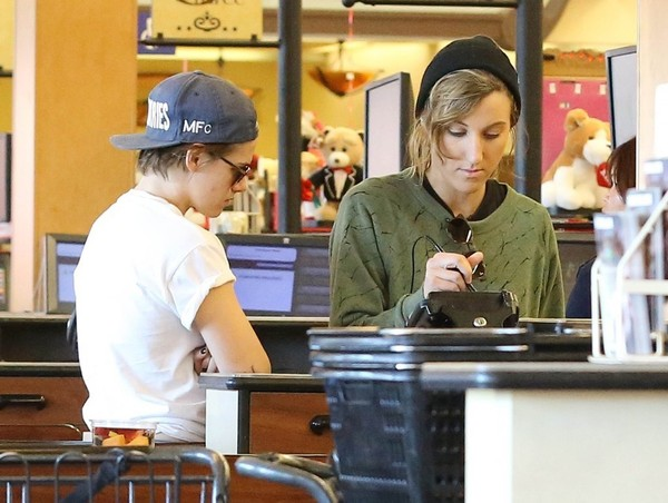 Kristen Stewart Out And About In Los Feliz With Alicia Cargile