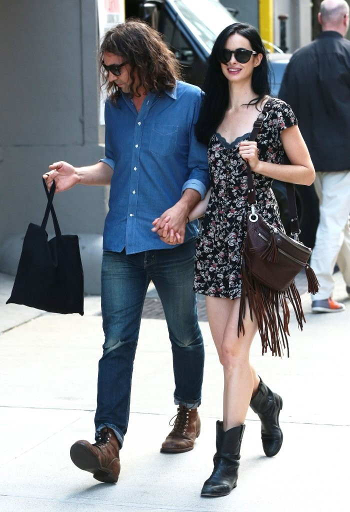 Krysten Ritter Out wit...