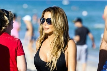 Larsa Pippen Larsa Pippen Enjoys the Beach With Her Family