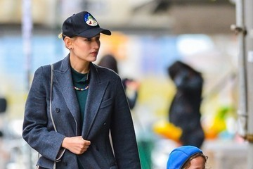 Leelee Sobieski Leelee Sobieski & Daughter Spotted Out In New York City