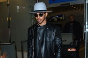 Lewis Hamilton Arriving on a Flight at LAX