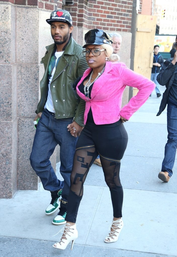 Boxer dating lil mo