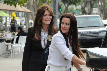 Lisa Vanderpump Lisa Vanderpump & Kyle Richards Filming In Brentwood