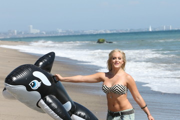 Lacey Schwimmer A Look Back At Some Celeb Summer Beach Bodies