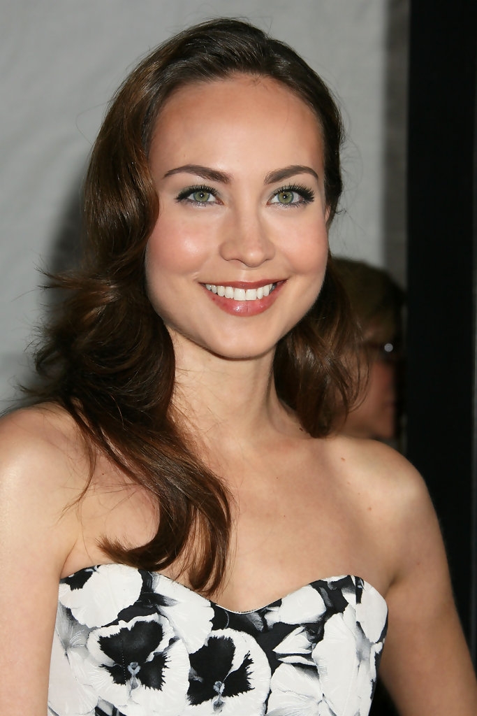 """San Diego Ford >> Courtney Ford Photos Photos - """"The Lovely Bones"""" Los Angeles Premiere - Arrivals 2 - Zimbio"""