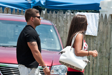 """Sammi Giancola  Ronnie Ortiz-Magro MTV's """"Jersey Shore"""" Spend A Day At Home"""