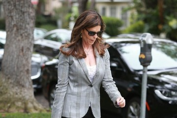 Maria Shriver Maria Shriver Heads to a Meeting in Beverly Hills
