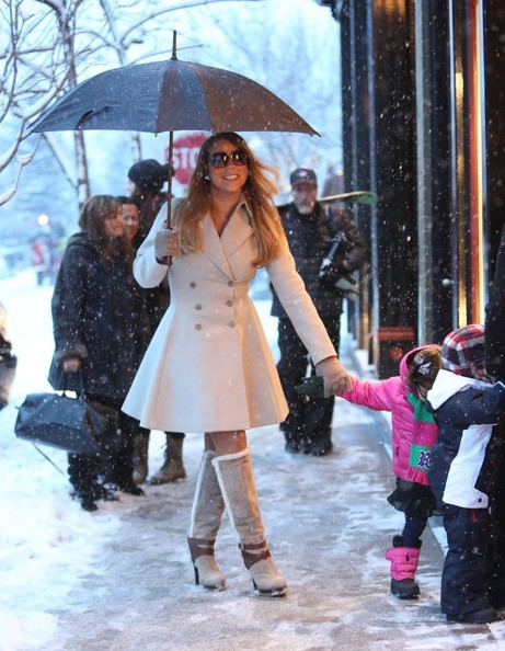 Mariah Carey Shops in Aspen with Her Twins - 3 of 25