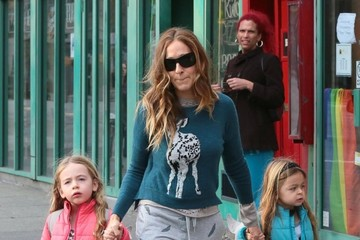 Marion Broderick Sarah Jessica Parker Walks Her Girls to School
