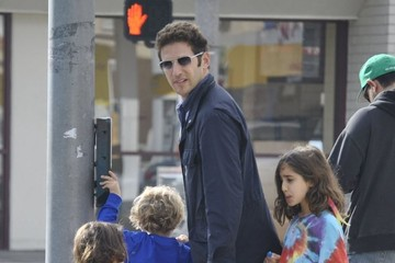 Mark Feuerstein Mark Feuerstein Takes His Kids To Ride The Train At The Farmers Market