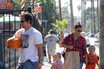 Mark Wahlberg Michael Wahlberg Mark Wahlberg Takes His Family to a Pumpkin Patch