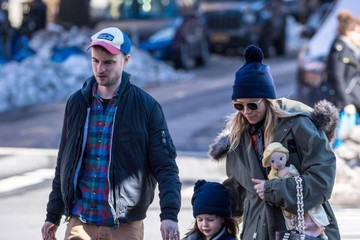 Marlowe Sturridge Sienna Miller And Tom Sturridge Out With Their Daughter In NYC