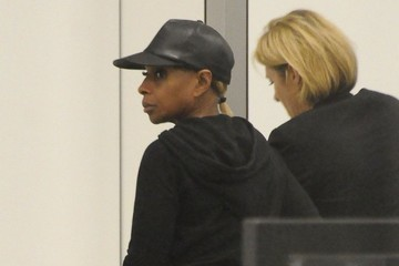 Mary J. Blige Mary J. Blige Departs From LAX