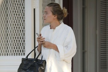 Mary-Kate Olsen Mary-Kate & Ashley Olsen Shopping At L'Agence