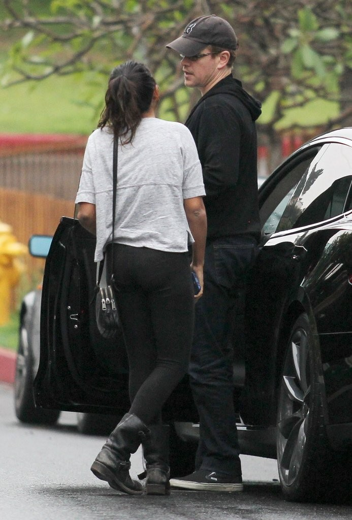 Matt Damon Lets Step Daughter Alexia Drive To A Party Zimbio