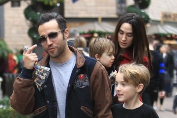 Meagan Camper Pete Wentz & Family Shopping At The Grove