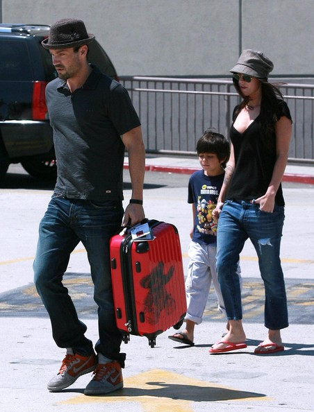 Megan Fox - Megan Fox And Brian Austin Green Take His Son Shopping