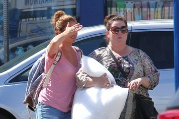 Melissa McCarthy Melissa McCarthy Shops In The Fashion District