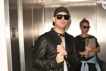 Michael Buble Michael Buble Catches a Flight at LAX
