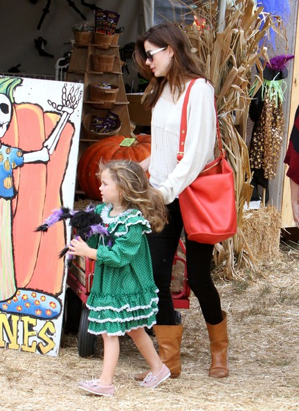 Michelle Monaghan Takes Willow To The Pumpkin Patch