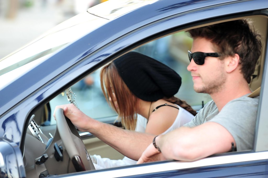 is miley dating liam 2015 Everything you need to know about miley cyrus and liam hemsworth back in 2015, when the pair had broken up, liam opened up about his five year relationship.