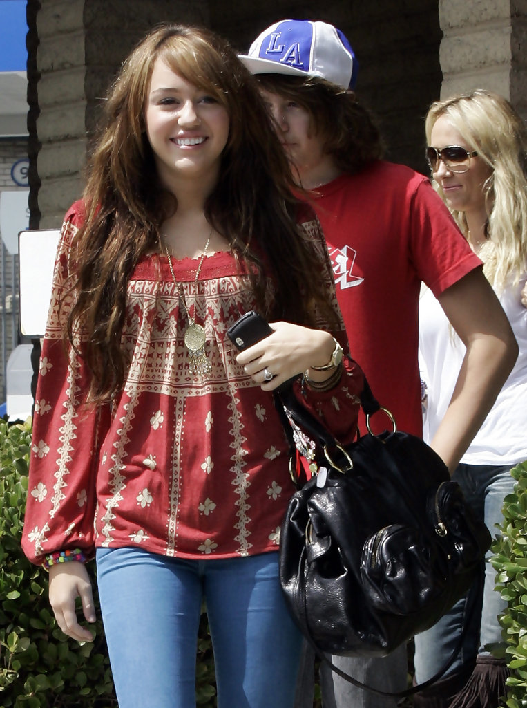 Miley cyrus hair color 2009