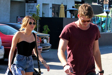 Miley Cyrus Liam Hemsworth Miley And Liam Out For Lunch In Studio City