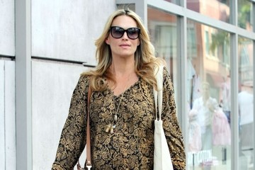 Molly Sims Pregnant Molly Sims Stops By A Hair Salon In Beverly Hills