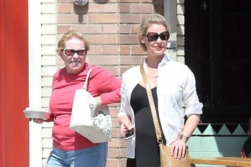 Nancy Heigl Katherine Heigl Goes Out for Lunch With Her Mother