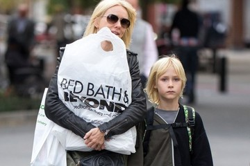 Naomi Watts Naomi Watts Hits the Town with Her Son Alexander in NYC