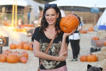 Natasha Alam Valentina Campana Picks Out Pumpkins