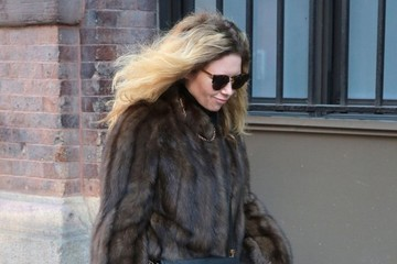 Natasha Lyonne Natasha Lyonne Walks Her Dog in NYC