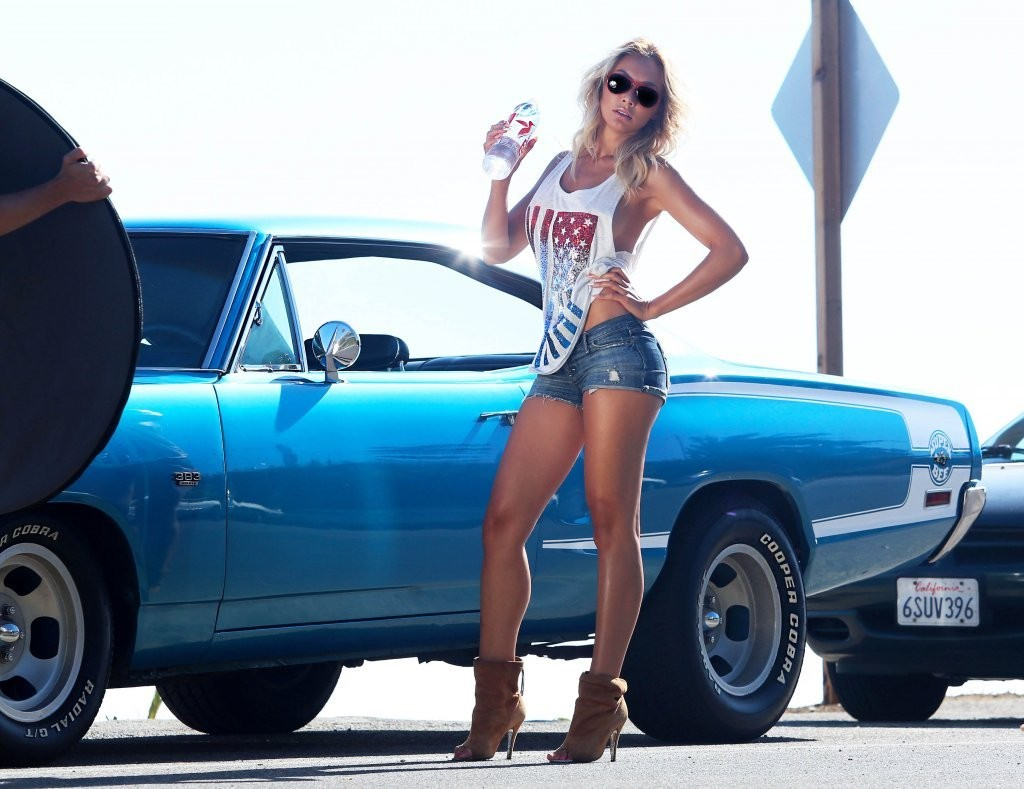 French Model Nausicaa Poses In A Photo Shoot In Malibu